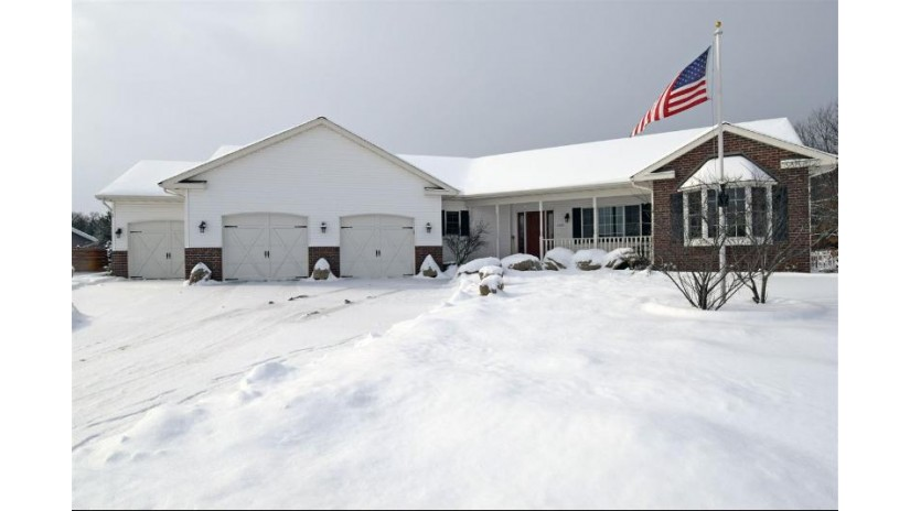 2223 Doris Rd Reedsburg, WI 53959 by Re/Max Preferred $299,800