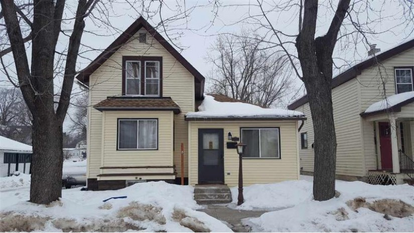 251 4th St Reedsburg, WI 53959 by Century 21 Affiliated $99,900