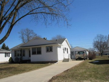 2612 8th Ave, Monroe, WI 53566
