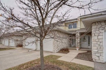 4436 Gray Rd, Windsor, WI 53532