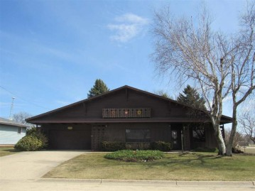 726 29th Ave, Monroe, WI 53566