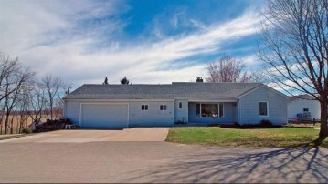 104 West St, Mineral Point, WI 53565