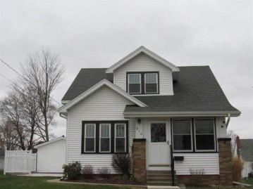 810 10th St, Monroe, WI 53566