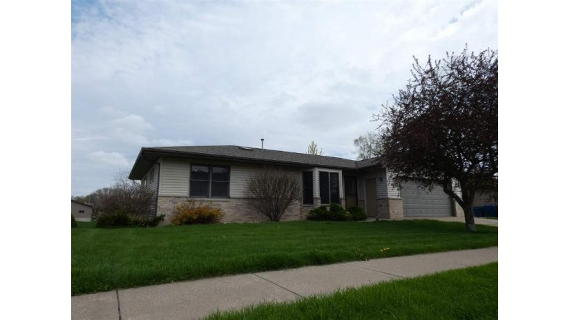 495 Plum St Dickeyville, WI 53808 by Lori Droessler Real Estate, Inc. $189,900