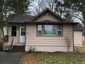 N1233 W Lake Shore Dr, Bloomfield, WI 53128