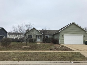 1916 Swallow Rd, Twin Lakes, WI 53181-1916
