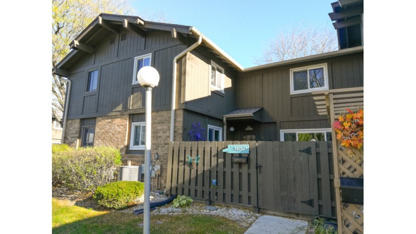 N76W14521 Northpoint Ct Menomonee Falls, WI 53051-4319 by Shorewest Realtors $139,900