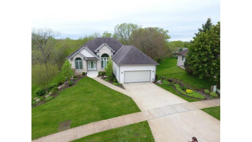 1237 Winged Foot Dr Twin Lakes, WI 53181-9109 by Bear Realty Of Burlington $384,900