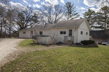 4440 Sunset Dr, Waterford, WI 53185