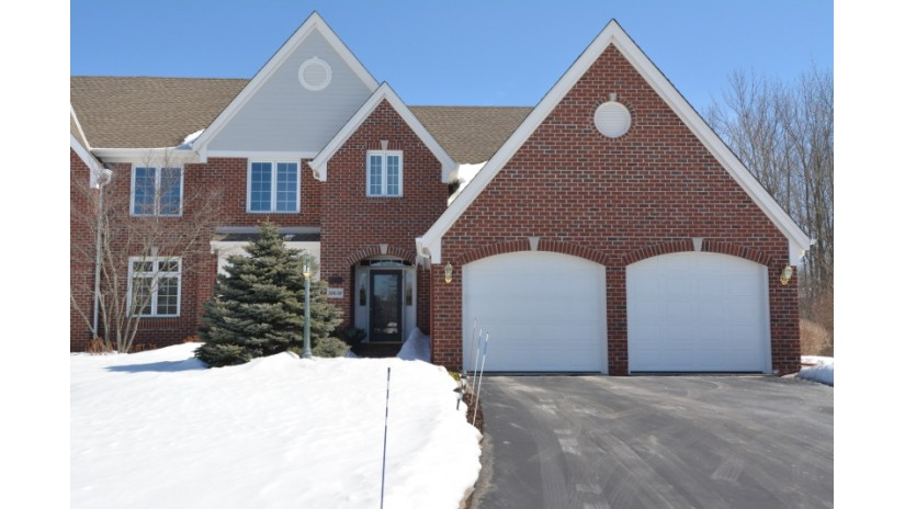 10630 N Hidden Reserve Cir Mequon, WI 53092-5578 by Shorewest Realtors $723,900