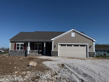 7951 N Forest Dr, Ixonia, WI 53036