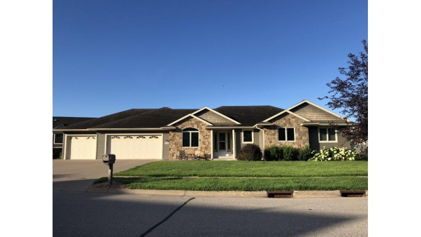 543 Driftwood St West Salem, WI 54669 by Bi-State Realty & Appraisals $409,900