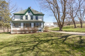 W1662 County Road B, Bloomfield, WI 53128-1935