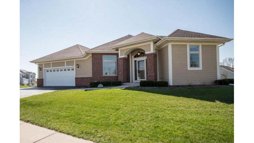 857 Timber Ridge Dr Waukesha, WI 53189-7993 by Benefit Realty $424,900