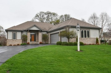 316 Still Water Ct, Dousman, WI 53118-8832
