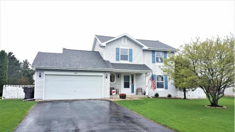 2727 Prairie Ct East Troy, WI 53120-1368 by Realty Executives - Integrity $264,900