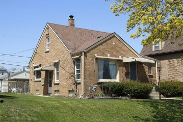 3659 S Iowa Ave, Saint Francis, WI 53235-3674