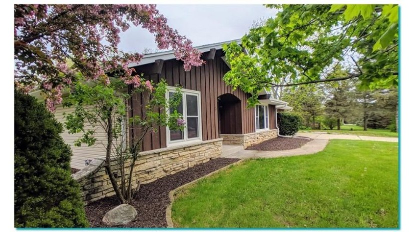S69W22245 Sonoma Way Vernon, WI 53103-9476 by Exit Realty Horizons $335,000