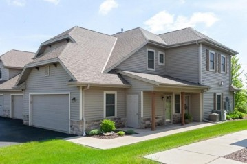 1706 New Port Vista Dr, Port Washington, WI 53024-9390