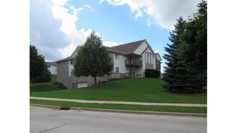630 Westfield Way 6 Pewaukee, WI 53072 by Shorewest Realtors $1,250