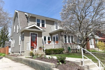 1830 E Marion St, Shorewood, WI 53211-2034