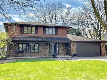 372 WAGON WHEEL Court, Green Bay, WI 54302-5165
