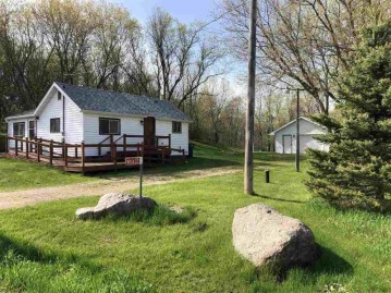 W11432 W TOWN HALL Road, Red Springs, WI 54128