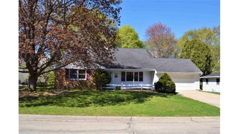 348 BRETCOE Drive Green Bay, WI 54302-3324 by Express Realty LLC $184,900