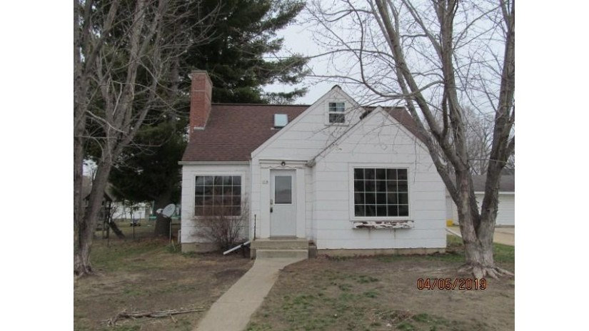 118 W Maple St Muscoda, WI 53573 by Century 21 Affiliated $89,500