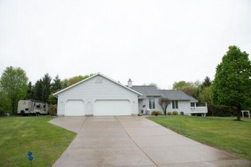 S3671 N Bent Tree Dr, Fairfield, WI 53913