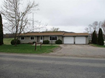 S3919 Golf Course Rd, Reedsburg, WI 53959