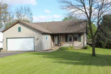 835 Kimseth Cir, Deerfield, WI 53531