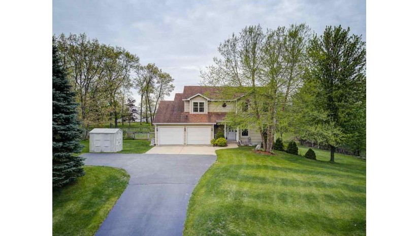 W7997 Jonathan Dr Pacific, WI 53901 by Re/Max Preferred $249,900