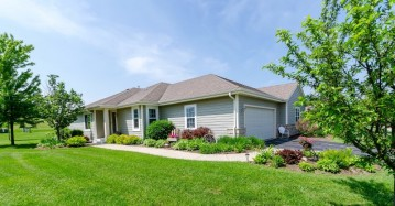 618 Belmont Dr, Watertown, WI 53094-7729