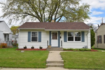 3332 N 84th St, Milwaukee, WI 53222-3705