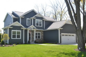 1290 Chester St, Brookfield, WI 53005-7100