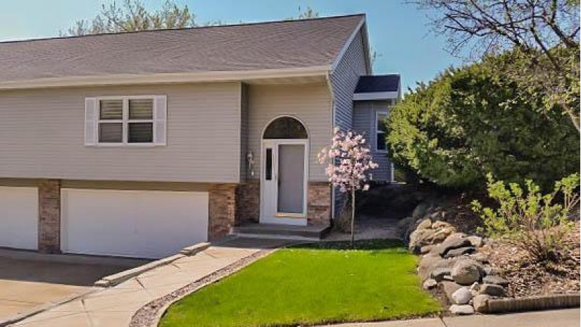 1921 Bonnie Ln Waukesha, WI 53188-4775 by Redefined Realty Advisors LLC $184,900