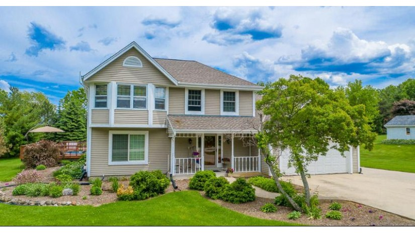 W235S7620 Vernon Hills Dr Vernon, WI 53103-9411 by Redefined Realty Advisors LLC $368,900