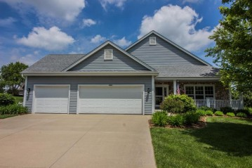 8764 S Yorkshire Ct, Franklin, WI 53132-7003