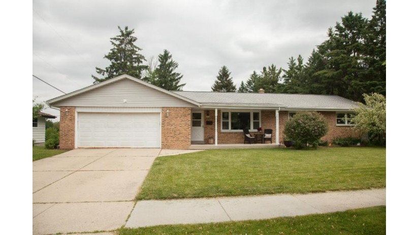 1012 E Kilbourn Ave West Bend, WI 53095-4224 by Alliance Real Estate Group, LLC $284,900