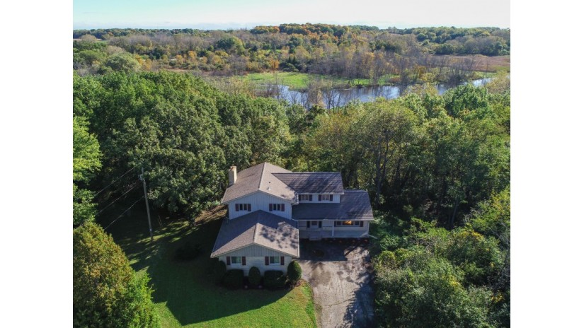 S95W22810 Bywater Ln Vernon, WI 53103-9743 by Shorewest Realtors $305,000