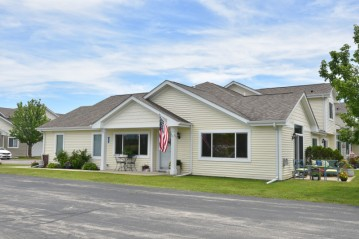 866 Ashley Ave, Port Washington, WI 53074-9684