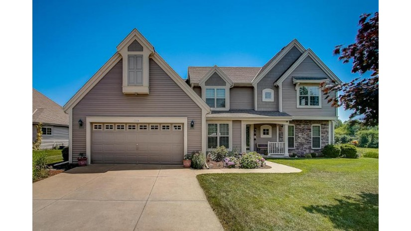 7970 S 43rd St Franklin, WI 53132-7911 by RE/MAX Realty 100 $475,000