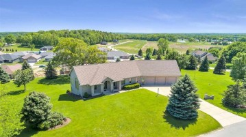 3333 WINDOVER Road, Howard, WI 54313