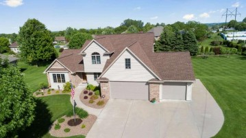 934 PINECREST Road, Howard, WI 54313