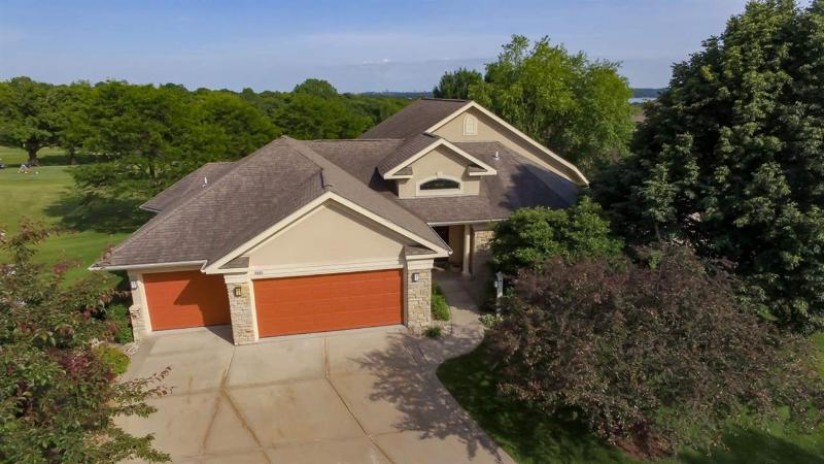 3901 Signature Dr Middleton, WI 53562 by First Weber Inc $1,000,000