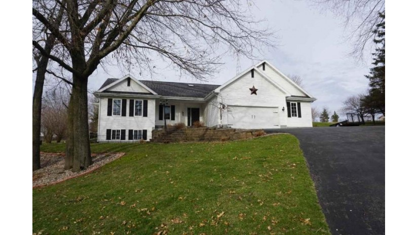 S1338 Remington Ct La Valle, WI 53941 by Evergreen Realty Inc $264,900