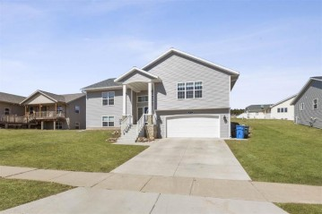 1411 16th St, Baraboo, WI 53913