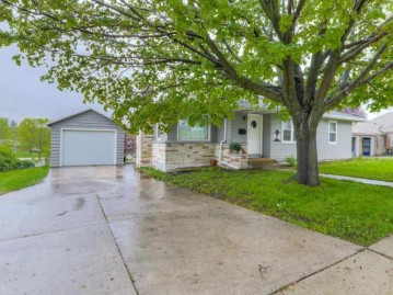 1031 N Bequette St, Dodgeville, WI 53533