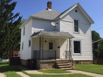 2009 7th St, Monroe, WI 53566